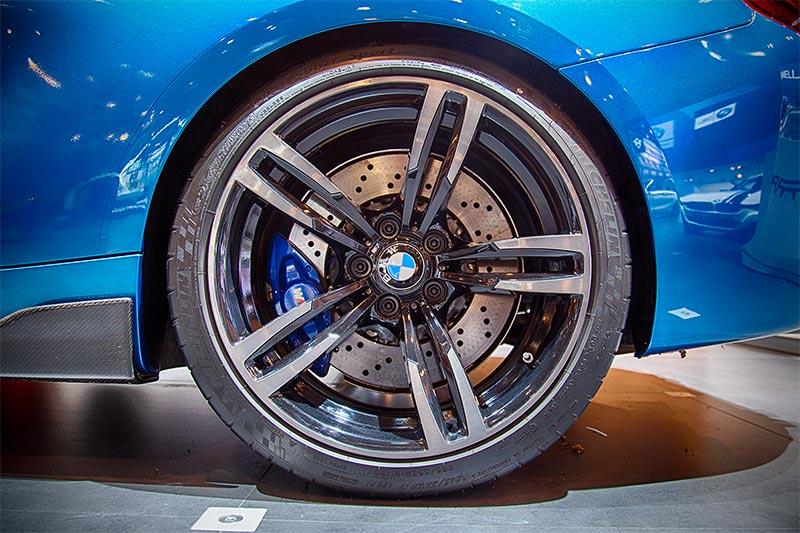BMW M2 (F87), auf orig. BMW M Felgen