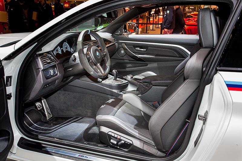 BMW M4, Innenraum mit BMW M Performance Komponenten