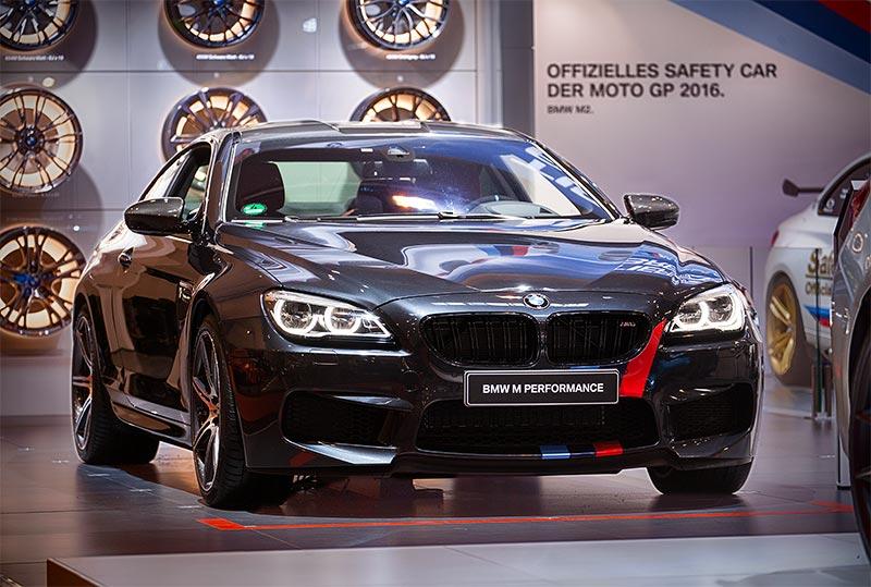 BMW M6 Coupé (F13) mit Competition Paket und BMW M Performance Parts, ausgestellt auf der Essen Motor Show