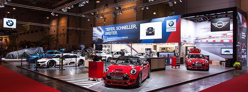 BMW Group Messestand auf der Essen Motor Show 2016, Halle 3 mit seinen Marken BMW, BMW M und MINI.