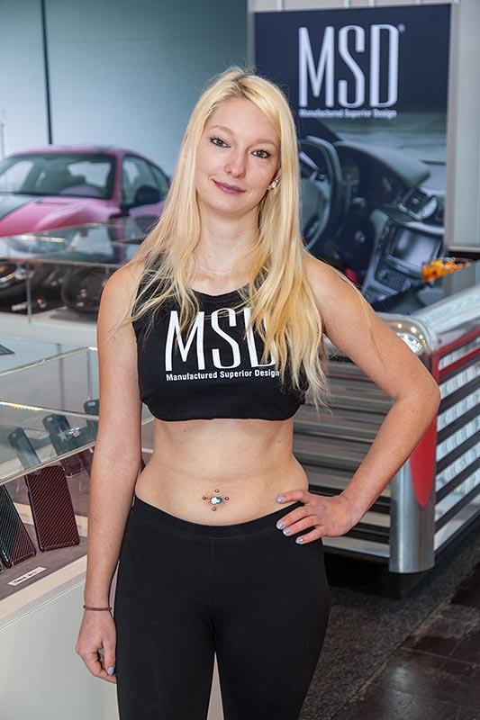 Cars und Girls, am Stand von Manufactured Superior Design, Essen Motor Show 2016