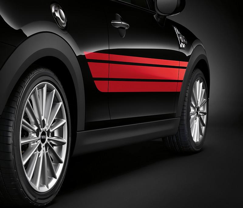 MINI Cooper S 3-Türer mit John Cooper Works Pro Side Stripes Red.