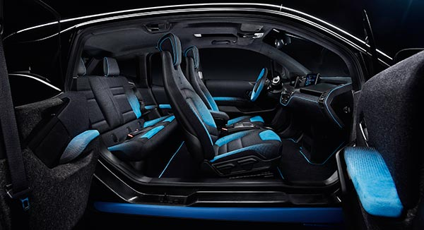 bmw i und garage italia customs pr sentieren den bmw i3 und bmw i8 garage italia crossfade in paris. Black Bedroom Furniture Sets. Home Design Ideas
