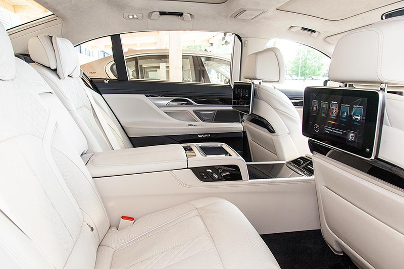 BMW 740Le xDrive iPerformance, mit Executive Lounge und Fond-Entertainment-System.