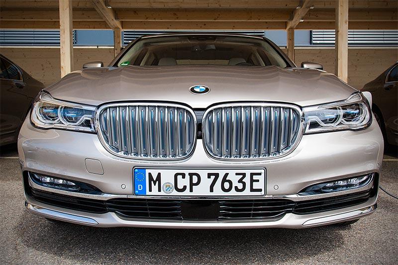 BMW 740Le xDrive iPerformance, mit E-Kennzeichen für Vorteile in einigen deutschen Städten
