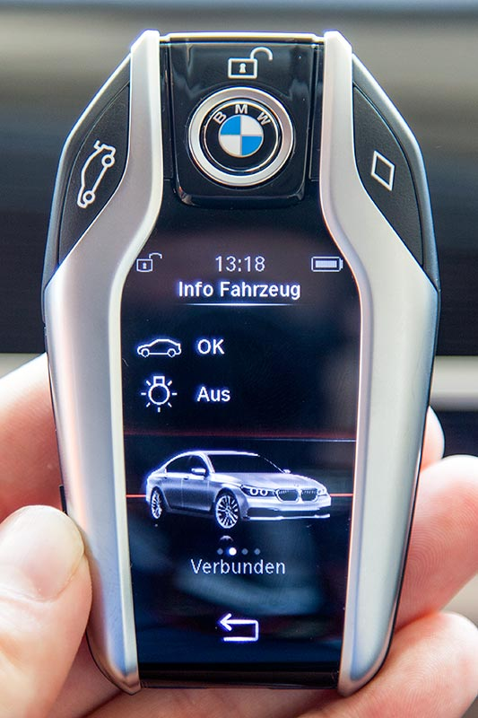 BMW 740Le xDrive iPerformance, serienmäßiger Display Key.