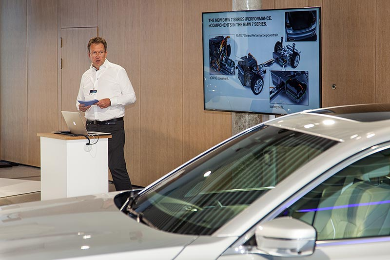 BMW 7er Projektleiter Andreas Welter stellte am 28.07.2016 im BMW Werk Landshut den 740Le der Presse vor.