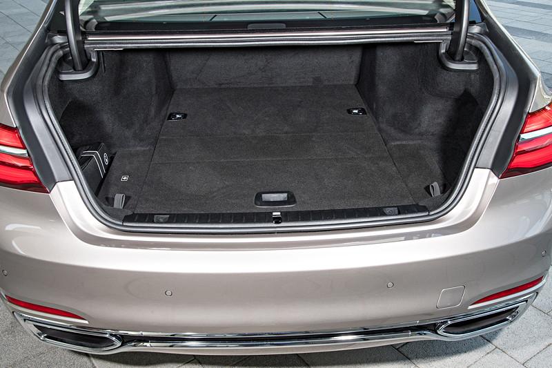 BMW 740Le xDrive iPerformance mit um 95 Liter reduzierten Kofferraum