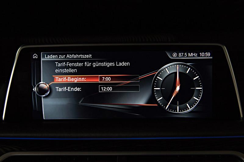 BMW 740Le xDrive iPerformance, Bordbildschirm, Anzeige: Planung der Ladezeit für den Akku