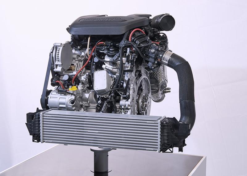 Weiterentwickelter BMW TwinPower Turbo 4-Zylinder Dieselmotor.