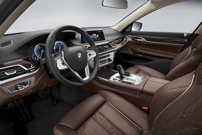 BMW 740e iPerformance, Interieur