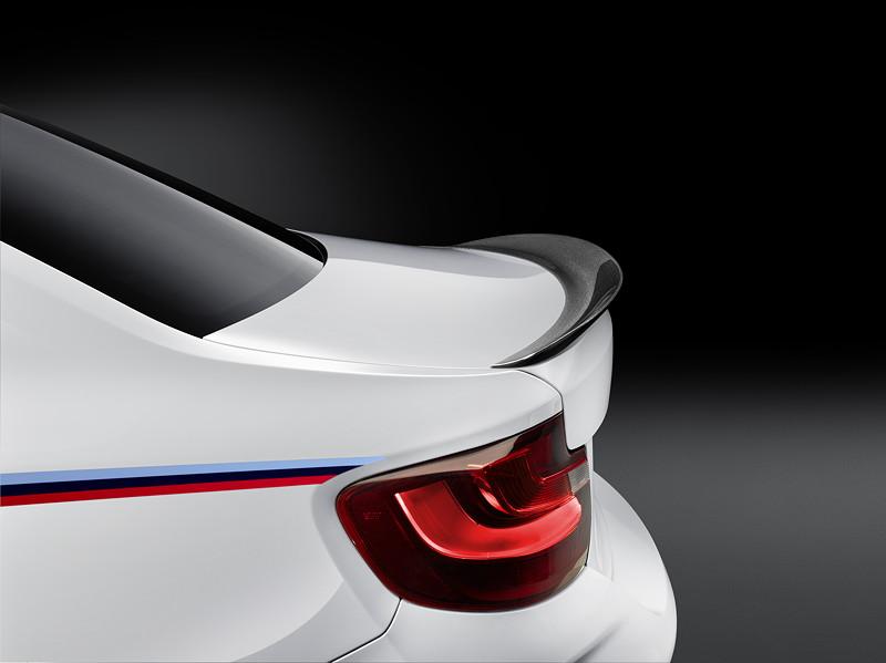 BMW M2 Coupé mit BMW M Performance Zubehör: Carbon Heckspoiler