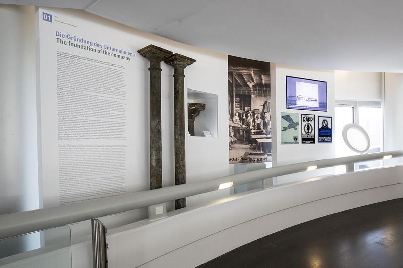 BMW Museum, Wechselausstellung '100 Meisterstücke': Historische Dokumente zur Gründung des Unternehmens