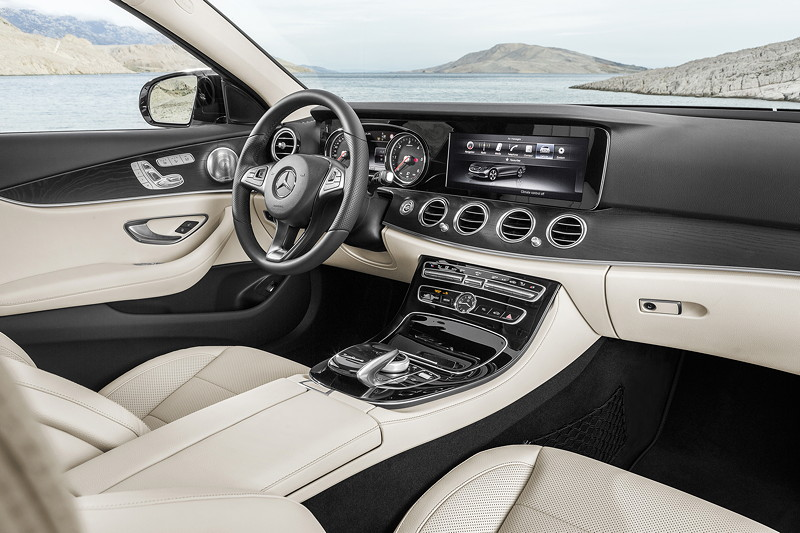 Foto mercedes benz e klasse e 220 d avantgarde night for Interieur e klasse