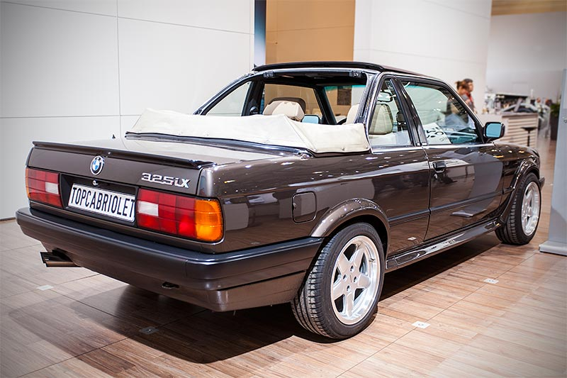 BMW 325iX Baur Topcabriolet TC2, mit zweiteiligem Dach: Cabrio-Verdeck hinten und Targadach