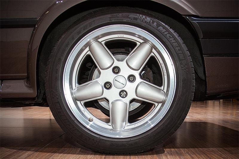 BMW 325iX Baur Topcabriolet TC2, auf 5-Speichen Schnitzerfelgen