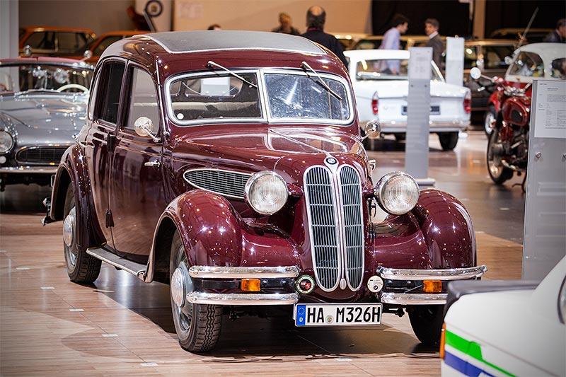 BMW 326 Limousine (Modell 326) von Dietmar Milhoff auf der Techno Classica 2016