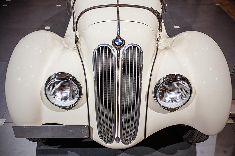 BMW 328, Baujahr: 1938, Stückzahl: 464, ehemaliger Neupreis: 7.400 RM
