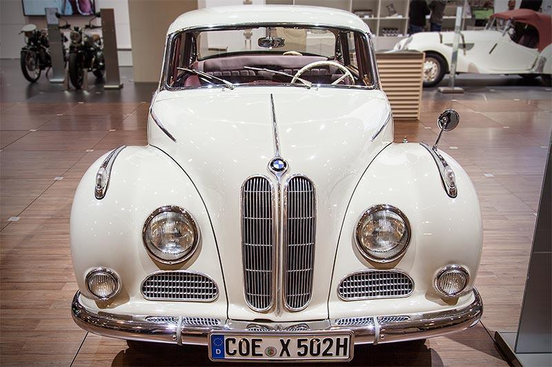 BMW 502 3,2 Liter Super, Baujahr 1961, Stückzahl: 1.323; Neupreis: 19.768 DM