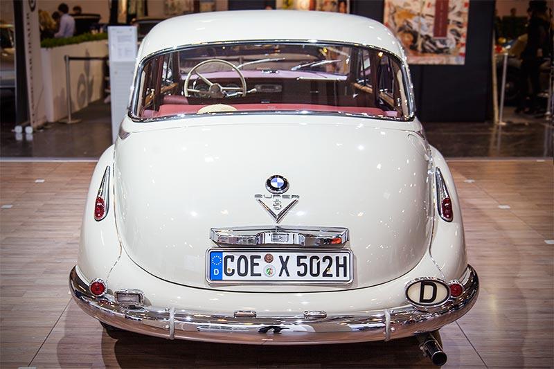 BMW 502 3,2 Liter Super, mit V8-Zylinder-Motor, 3.168 ccm Hubraum, 140 PS, vmax: 180 km/h