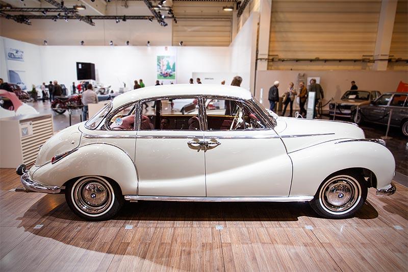 BMW 502 3,2 Liter Super, Leergewicht: 1.470 kg