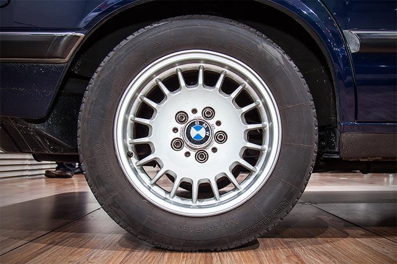 BMW 524td, Rad