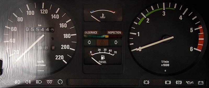 BMW 524td, Tacho-Instrumente mit Kilometerstand 55.445 km