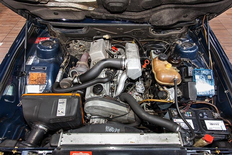 BMW 524td, der erste BMW Dieselmotor: 6-Zylinder-Reihenmotor mit 115 PS
