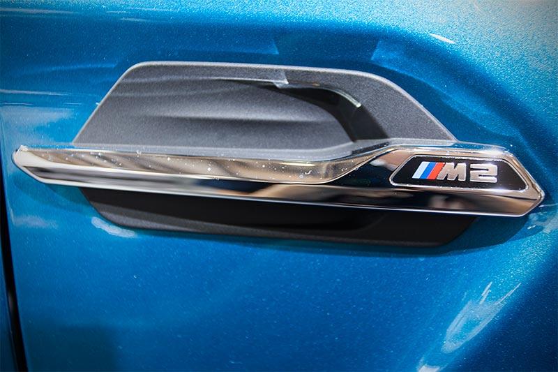 BMW M2, seitliche Kieme mit M2 Typ-Bezeichnung