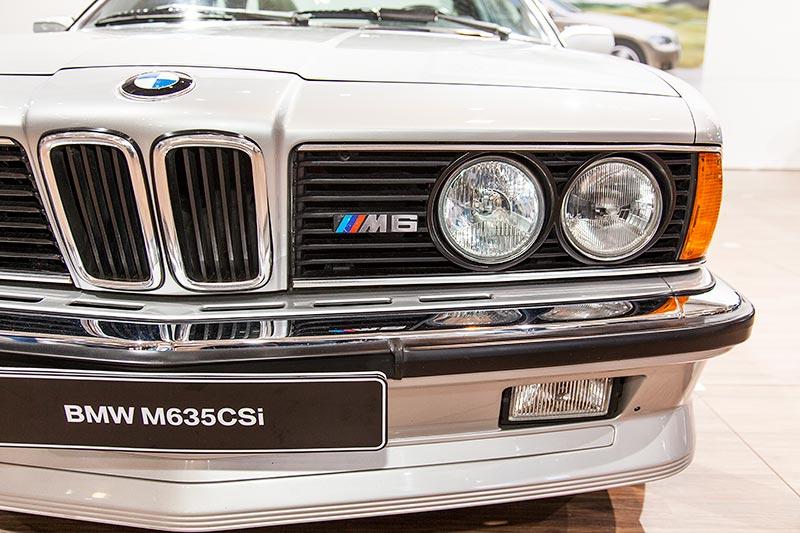 BMW M635 CSi, M6 Logo im Kühlergrill neben der BMW Niere
