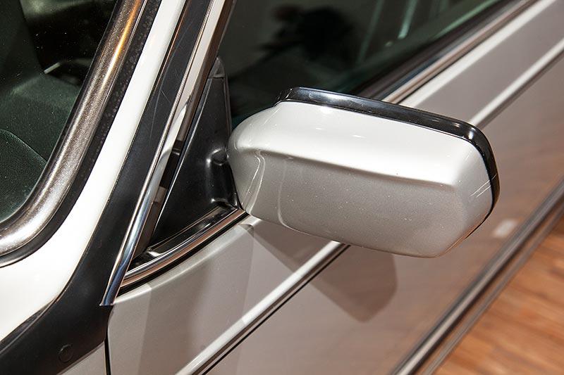 BMW M635 CSi, Außenspiegel lackiert in Wagenfarbe