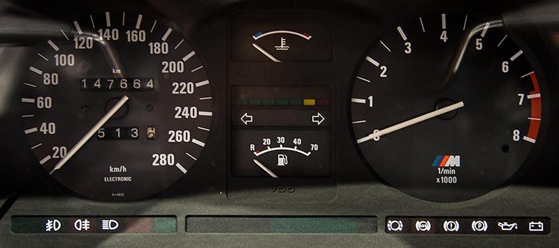 BMW M635 CSi, Tachoinstrumente, Kilometerstand: 147.664 km
