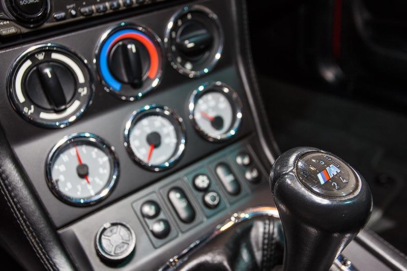 BMW M coupé, Schalthebel mit M Logo