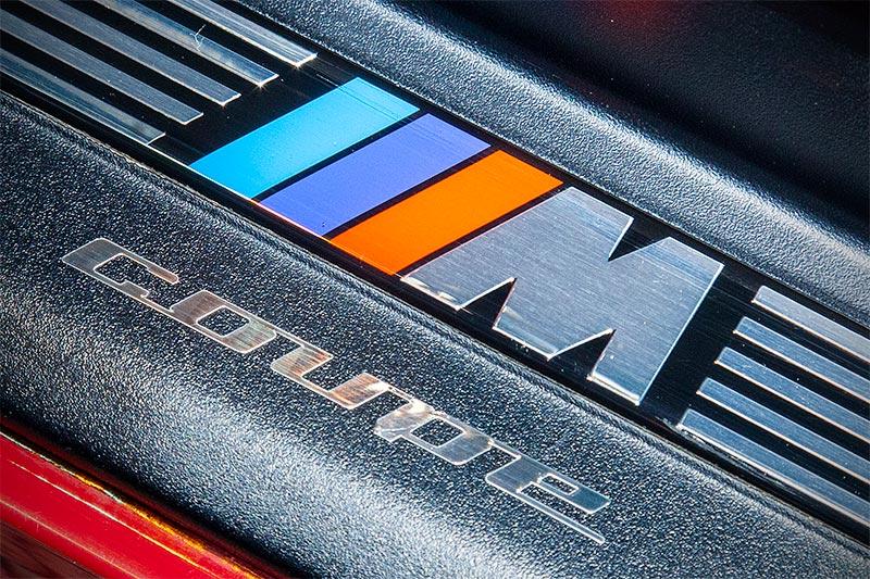 BMW M coupé, Schriftzug in der Einstiegsleiste