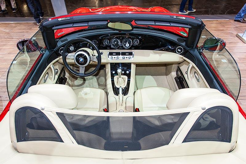 BMW Z8, Blick in den Fahrerraum
