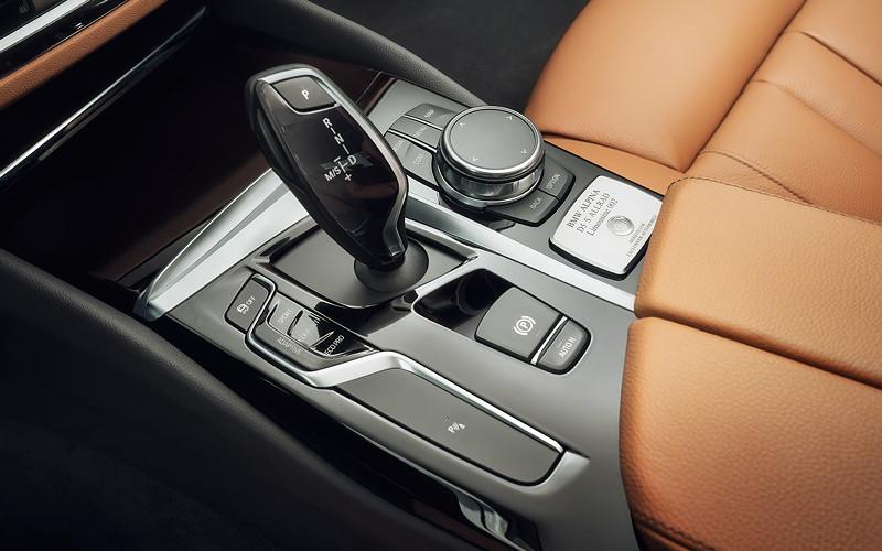 BMW Alpina D5 S, Mittelkonsole