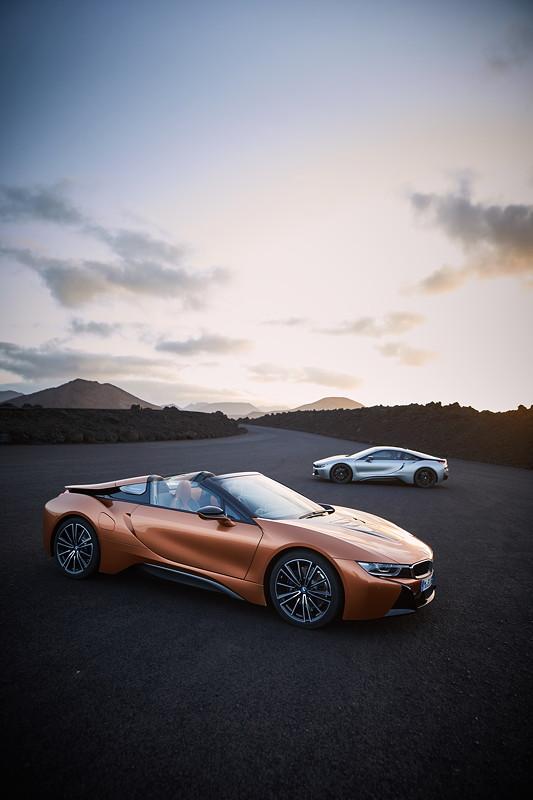 Der neue BMW 8 Roadster, das neue BMW i8 Coupé (Facelift).