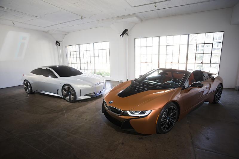 Der neue BMW i8 Roadster und der BMWi Vision Dynamics.