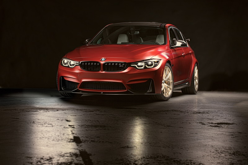 BMW M3 '30 Years American Edition, lackiert in Frozen Red II Metallic'