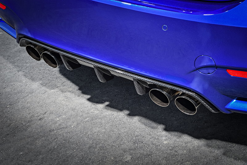 BMW M4 CS, Auspuff-Endrohre