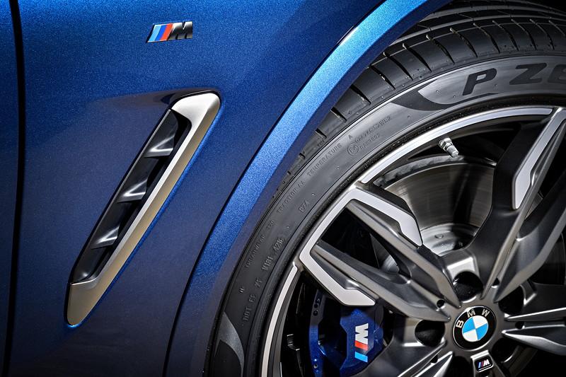 BMW X3 xDrive M40i, seitliche Kieme mit M Logo