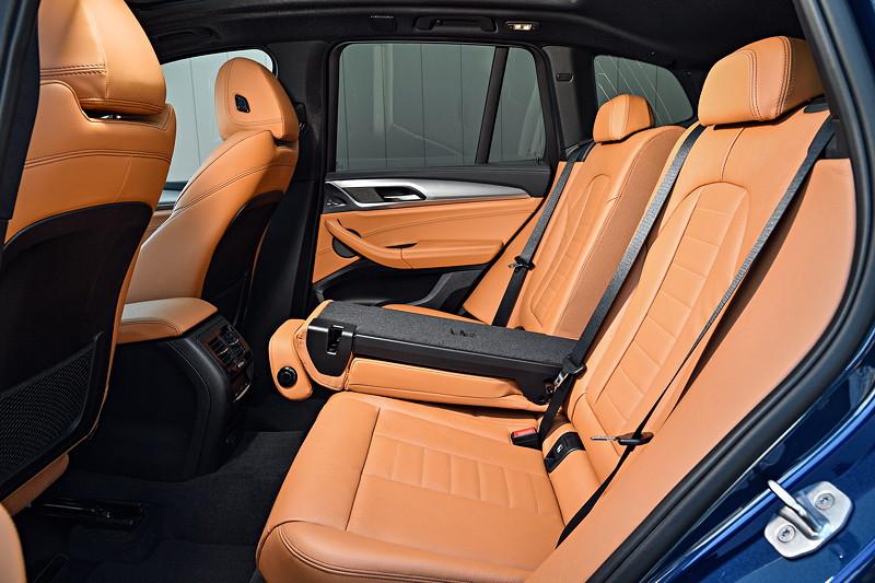 BMW X3 xDrive M40i, Durchladefunktion, Polsterung: Leder Vernasca Cognac