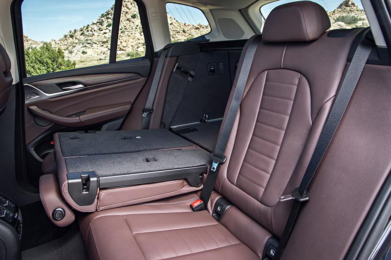BMW X3 xDrive30d xLine, geteilt umlegbare Fondsitze, Polsterung: Leder Vernasca Mokka