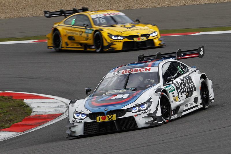 Tom Blomqvist (GBR) im BMW Driving Experience M4 DTM und Timo Glock im DEUTSCHE POST BMW M4 DTM.