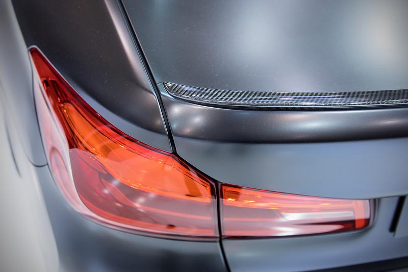 Essen Motor Show 2017: BMW 5er (G30) mit M Performance Carbon Heckspoiler.