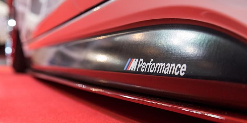 Essen Motor Show 2017: BMW 335i (F30) mit Rieger Seitenschwelleransatz (134 Euro).