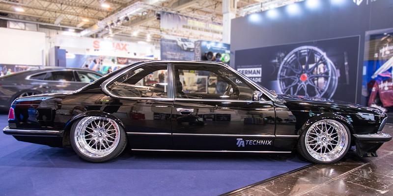 Essen Motor Show 2017: BMW 6er (E24) auf dem Stand von TA Technix.