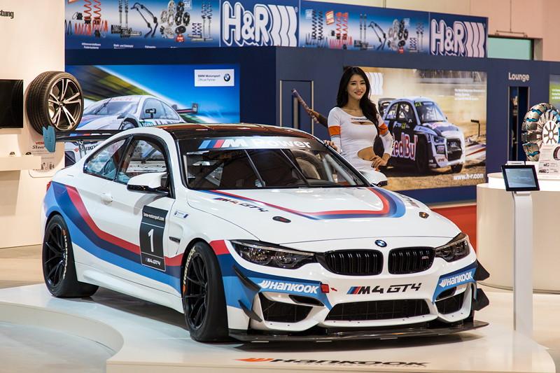 BMW M4 GT4 auf dem Stand von Hankook, Halle 10, Essen Motor Show 2017