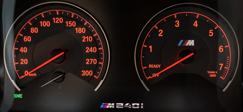 AC Schnitzer ACL2S, Tachoinstrumente optional bis 300 km/h.
