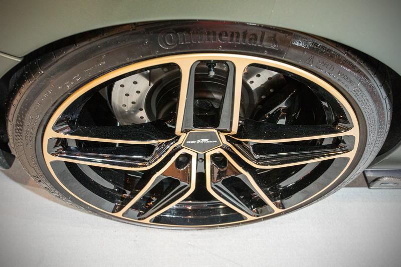 AC Schnitzer ACL2S, Dank Kotflügelverbreiterung mit 235/35 R 19 Reifen vorne und 265/30 R 19 Reifen hinten.